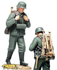 Tamiya 36311 Deutsche Wehrmacht Infanterist - MG Munitionszuführer mit Dreibein