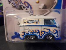 HOT WHEELS / hw  > KOOL KOMBI  van,  RARE  vw  2012  COLLECTOR  w/ mags,  #2