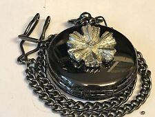 Fiore Peltro TG130 su un orologio da taschino nero quarzo Fob
