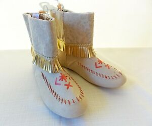NEW Disney Store POCAHONTAS Boots Girls 2/3 Shoes Moccasins Halloween Costume