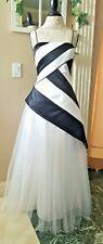 New De Laru Prom Party Dress Formal Gown Black White Size 11/12 Wedding Macy's
