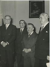Giuseppe Saragat, Guiseppe Romita et Aneurin Bevan à Rome, 1957 Vintage silver p