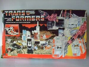 Transformers Autobot Battle Station Metroplex 1985