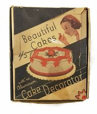 VINTAGE BEAUTIFUL CAKES WITH AN ALUMINUM CAKE DECORATOR 6 TIPS WITH BOX 2804