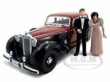 1938 MERCEDES 770K WITH 2 FIGURINES BRIDE AND GROOM 1/18 SIGNATURE MODELS 38203