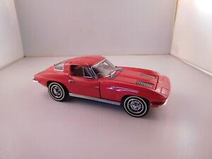 Franklin Mint Red,1963 Split Window Chevy Corvette 1:24 scale diecast B11 PX 67
