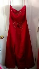 Gorgeous Formal floor length gown.~ Red~ see pictures and description