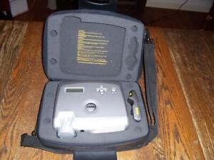 Dell 3300MP DLP Projector w/ Case, Power Cord, Video Cable, Remote, Manual - Exc
