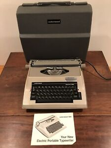 VINTAGE UNDERWOOD ELECTRIC 565 TYPEWRITER Tested & Working! 1970s With Hard Case