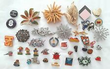 More details for job lot of 40 badges brooches & pins  ref:f247