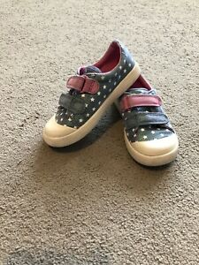 Girls Clarks Canvas Shoes 7G