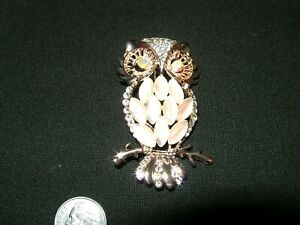 Gorgeous Owl Brooch: Gold Tone, Pink Glass Body, Crystals, & Rhinestones