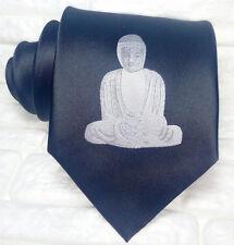 Cravatta uomo Budda colore nero disegno ricamato  100% seta Made in Italy