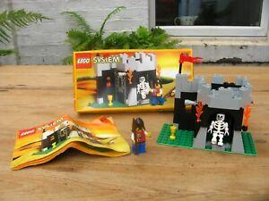 Lego 6036 - Skeleton Surprise Boxed castle