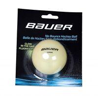 "BAUER- Hockey Ball ""Glow in the dark"" (1046674). Streethockey. Hockey. Freizeit."