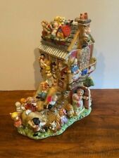 Cookie Jar Collectibles by Fits and Floyd