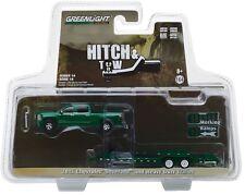1:64 GreenLight *HITCH & TOW 14* Green 2015 Silverado Heavy Duty Flatbed Trailer