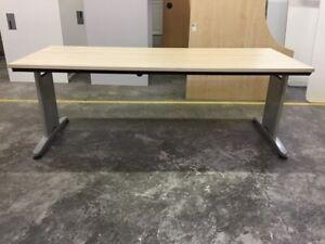 Schreibtisch Besprechungstisch 200x80 cm Ahorn grau