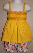 GIRLS 12 months 2-piece outfit NWT (Yellow top Flower shorts) Fisher-Price