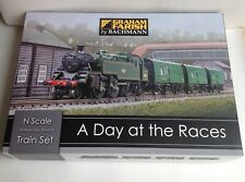 """GRAHAM FARISH - N Gauge, 370-185 - """"A DAY AT THE RACES"""" TRAIN SET - Mint, Boxed"""