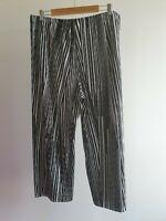 Taking Shape Womens Size 18 Black & White Stripe Pleated Wide Leg Pants EUC