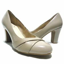 Life Stride Simply Comfort Adara Taupe Chunky High Heel Pumps Size 10M MINT
