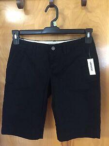Old Navy Size 0 Black Burmuda Shorts Nice 4 Summer Dressy or Casual NWT