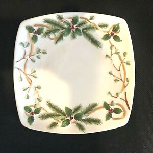 """Yankee Candle Square 7 1/2"""" Underplate Winter Holly Berry Christmas Pine"""