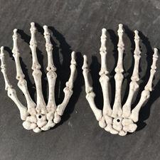 1 Pair Plastic Skeleton Hand House Halloween Decoration Halloween Party Chic