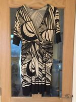 Phase Eight Size 10 Black And Cream Patterned Short Sleeved Dress
