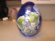 STUNNING 1999 HAND PAINTED GIBSON ART GLASS  BLUE EGG SHAPE PAPERWEIGHT