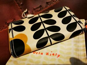 Orla Kiely Bumblebee Stem Design Large Purse With Dustbag