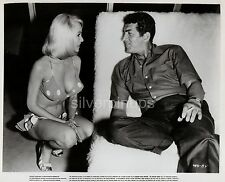Orig '65 DEAN MARTIN - JOI LANSING in Bikini.. CANDID on-set Portrait.. SUPERB!
