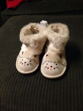 The Childrens Place Toddler Girls 10 Chalet Kitty Cat Boots White Nwt