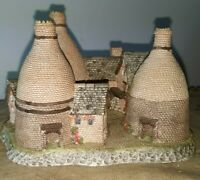 David Winter Cottages Midland's Collection The Bottle Kilns Hand painted NO BOX