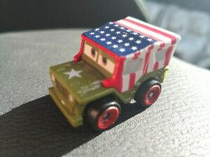 Mattel Disney Pixar CARS MINI RACERS Die-Cast Metal Lightning McQueen Party Gift