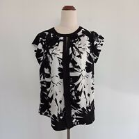 Tokito City Size 14 Black & White Floral Lightweight Short Sleeve Top Women's