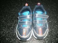 **Clarks Boys Navy Shoes Size 7G Great Condition**