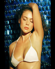 ALYSSA MILANO 8X10 PHOTO PICTURE PIC HOT SEXY BODY WET IN TINY BIKINI TOP 15