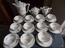 RAYNAUD & Cie PORCELAINE LIMOGES SERVICE A THE CAFE POUR 11 DECOR FLORAL/DORE