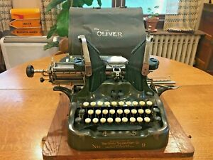 Antique Oliver Typewriter No 9 with tin cover serial 699185