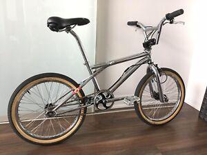Complete Survivor 1998 GT DYNO Slammer BMX Bike