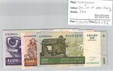 3 BILLETS MADAGASCAR - 200, 500 et 1000 ARIARY 2004