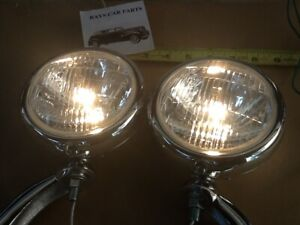NEW PAIR OF CLEAR 12 VOLT SMALL VINTAGE STYLE FOG LIGHTS WITH CHROME BRACKETS !