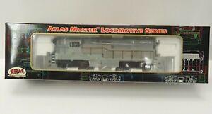 Atlas Master FM H15/16-44 locomotive, Undecorated w/Sill Handrails, DCC decoder