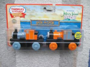Thomas & Friends Wooden Railway Bash and Dash NIB 2010 HTF