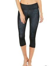 NWT $78 Alo Yoga Airbrush Capri Leggings In Black Indigo M.