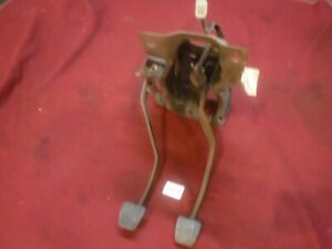 71 72 73 74 TOYOTA CELICA CLUTCH BRAKE PEDAL ASSEMBLY 4 SPEED RA20 RA21 RA22