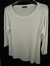 BNWOT Ladies Sz 24 Moda Brand Smart White Half Sleeve Round Neck T Shirt Top
