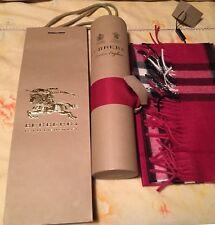 BURBERRY Sciarpa Cashmere con Etichette Nuovo di zecca, tubi e borsa regalo RRP 350 ORIGINALI